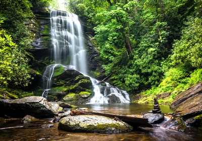 Asheville Living: Waterfall Wonders in the Area